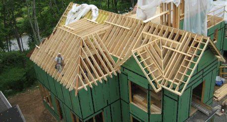 Различные формы крыш каркасного дома